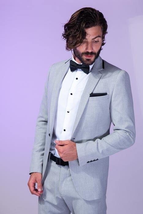 חליפת חתן: קולקציית 2019, חליפת שלושה חלקים, חליפה בגזרה ישרה, חליפה בדוגמה חלקה, חליפה בצבע אפור - סאלינה  SALINA - חליפות חתן
