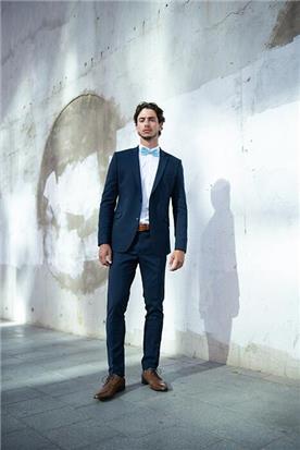 חליפת חתן: קולקציית 2018, חליפת שלושה חלקים, חליפה בגזרה ישרה, חליפה בדוגמה חלקה, חליפה בצבע כחול - סאלינה  SALINA - חליפות חתן