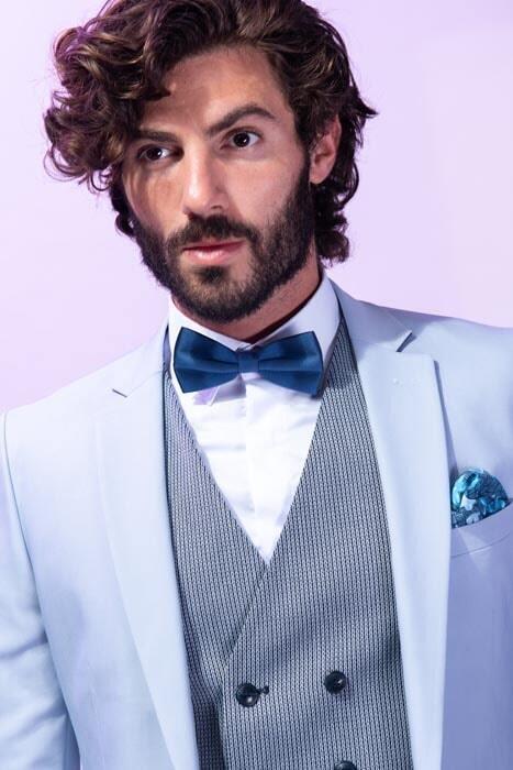 חליפת חתן: קולקציית 2019, חליפה בצבע תכלת, חליפת שלושה חלקים, חליפה בגזרה ישרה, חליפה בדוגמה חלקה - סאלינה  SALINA - חליפות חתן