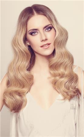תסרוקת בשיער גלי גולש
