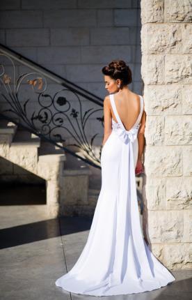 שמלת כלה פפיון בגב