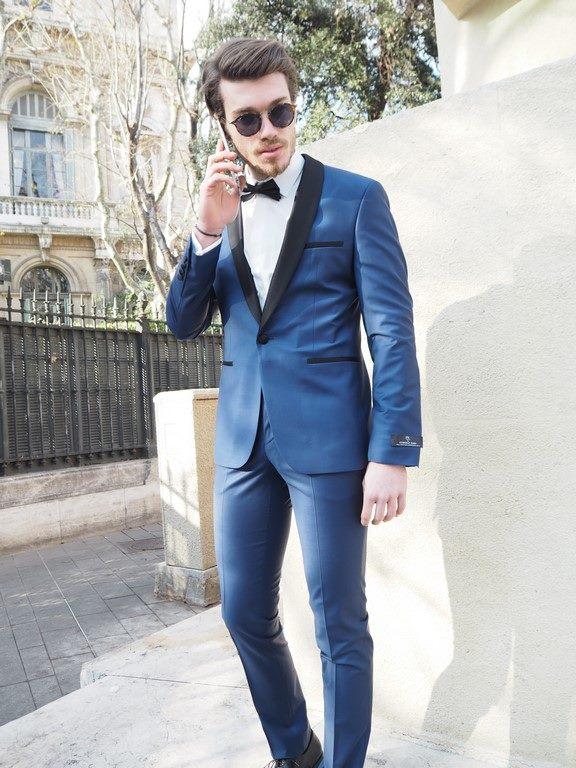 חליפת חתן כחולה עם צווארון שחור