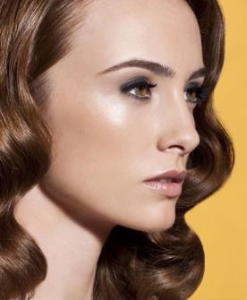 איפור שיער גלי מוברש