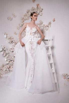 שמלת כלה עם חצאית רחבה נוספת