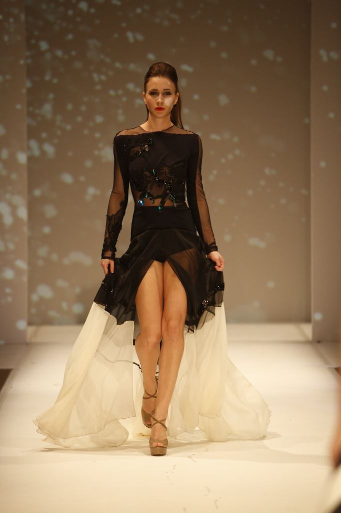שמלת ערב שחורה עם שיפון שמנת