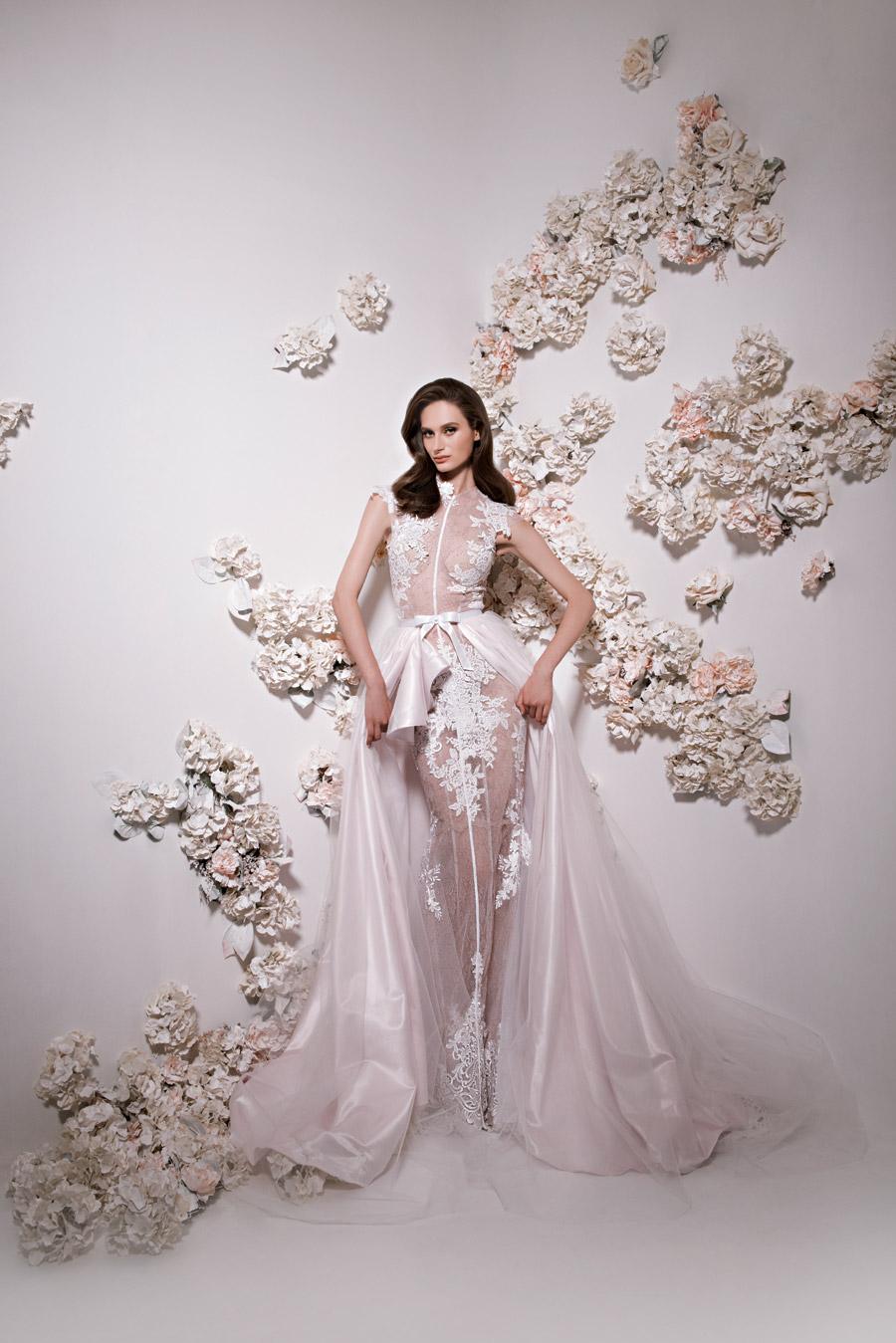 שמלת כלה רומנטית נועזת ורודה