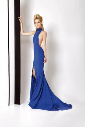 שמלת ערב כחולה עם שובל ארוך