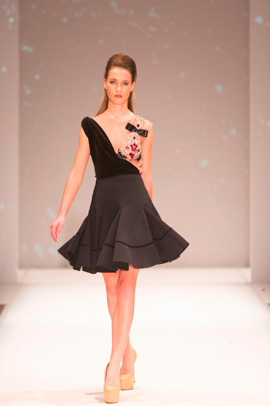 שמלת ערב טופ קטיפה שחורה