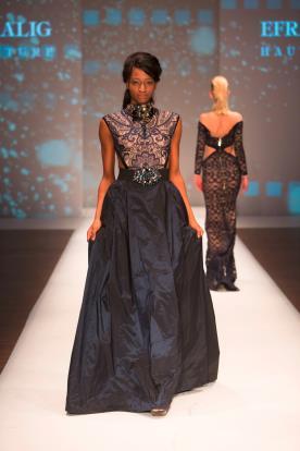 שמלת ערב שחורה חגורת אבנים