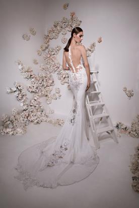 שמלת כלה שובל תחרה ומשי ארוך
