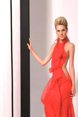 שמלת ערב אדומה עם שיפון