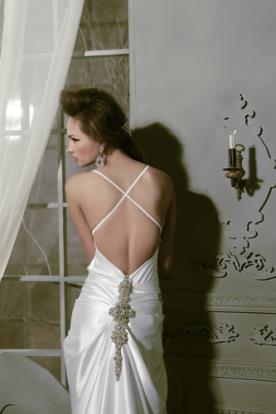 שמלת כלה עיטור תחרה עם חרוזים