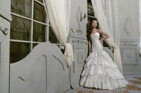 שמלת כלה חצאית קומות תחרה