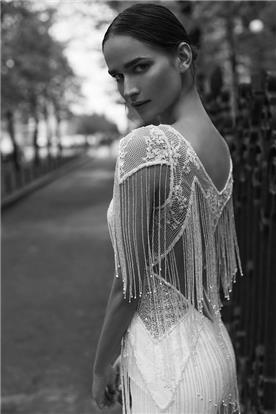 שמלות ערב עם חגורה במותן