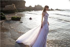 שמלות שושבינה עם תחרה