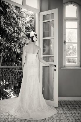 שמלת כלה עם תחרה סטרפלס