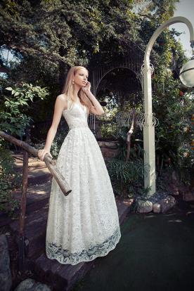 שמלת כלה תחרה עם כיווצים