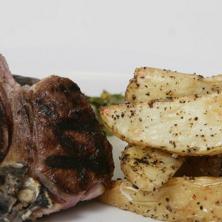 צלעות בשר עם תפוחי אדמה