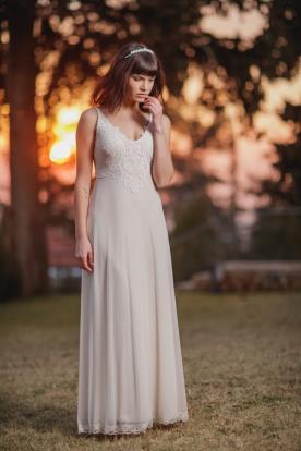 שמלת כלה כתפיות דקות