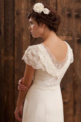 שמלת כלה מלמלות תחרה
