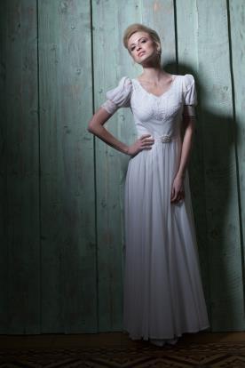 שמלת כלה עם שרוולי פעמון קצרים