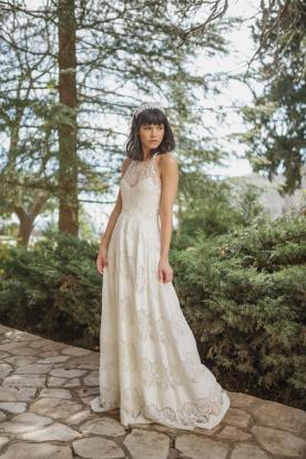 שמלת כלה בדגם קולר