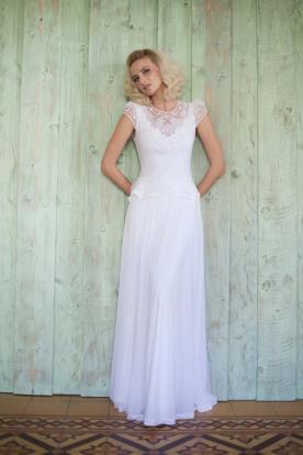 שמלת כלה בשילוב תחרה באזור המחשוף
