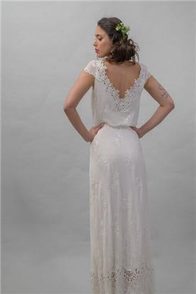 שמלה עם גב חשוף V