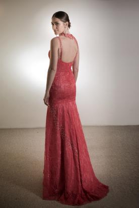 שמלת כלה אדומה תחרה וחרוזים