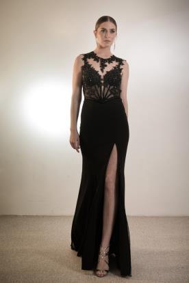 שמלת ערב אלגנטית מחורזת ושסע