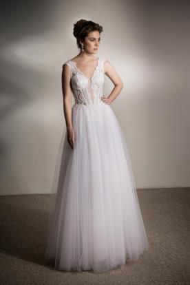 שמלת כלה נפוחה מחשוף עמוק