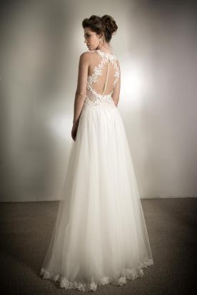 שמלת כלה גב מעוטר חרוזים ותחרה