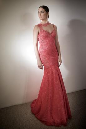 שמלת ערב נשפכת צוארון מיוחד