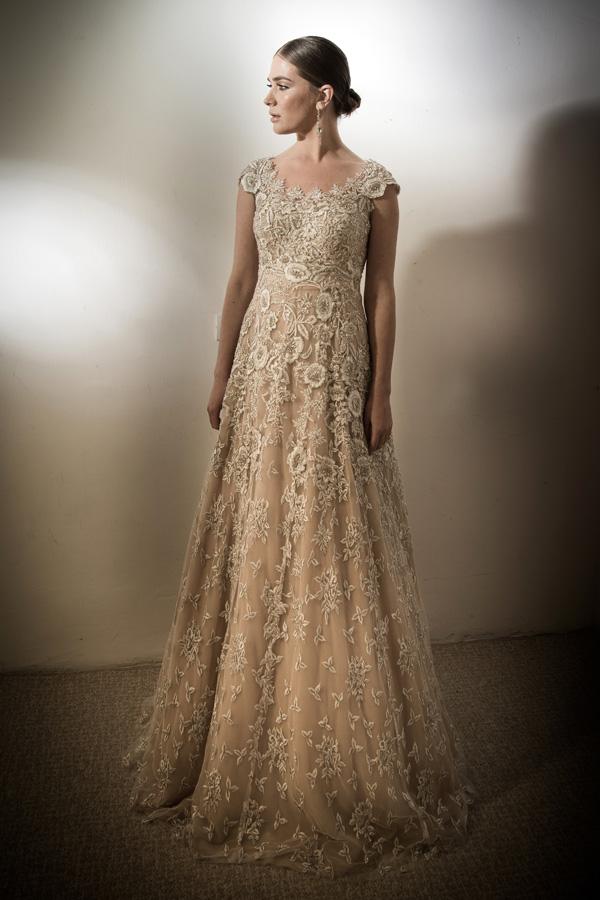 שמלת ערב תחרה עשירה בקרם