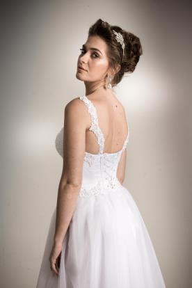 שמלת כלה קלאסית גב מחוך