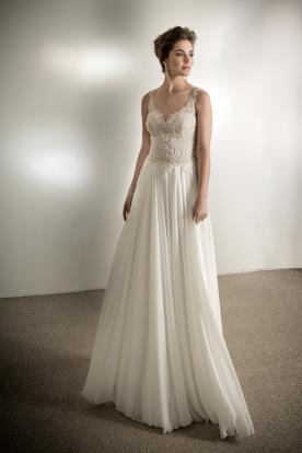 שמלת כלה תחרה עשירה נשפכת