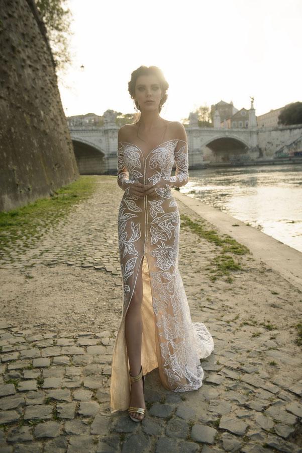שמלת כלה רקמת תחרה מיוחדת