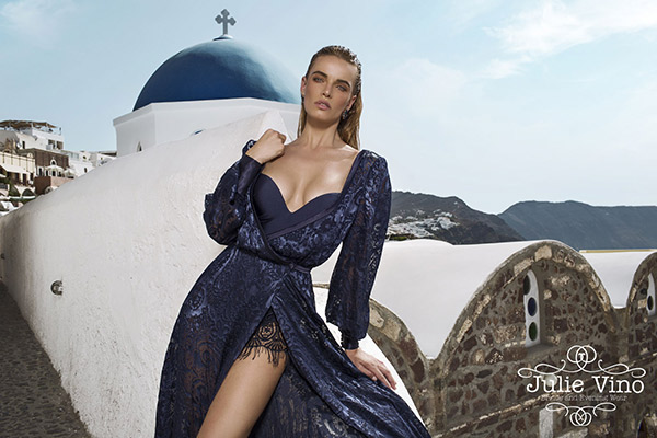 שמלת ערב נועזת תחרה כחולה