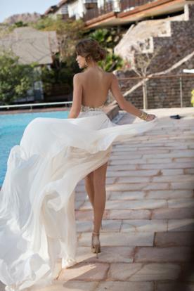 שמלת כלה חצאית אוורירית ונשפכת