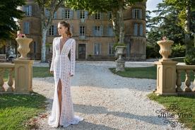 שמלות כלה תחרה לבנה עם שסע
