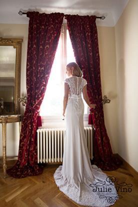 שמלת כלה גב סגור ושובל