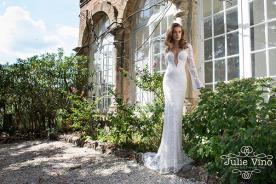שמלת כלה בוהמיינית מחשוף עמוק
