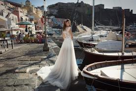 שמלת כלה שובל טול בשכבות