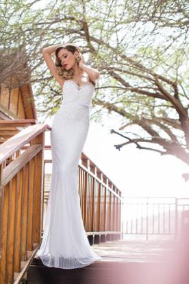 שמלת כלה עדינה מקסי מחורזת