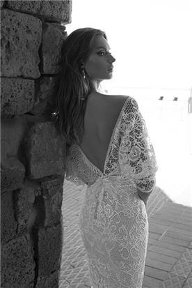 שמלת כלה של ג'ולי וינו