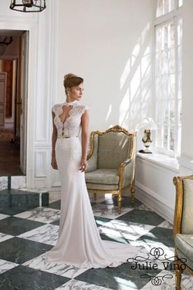 שמלת כלה מחשוף רומנטי