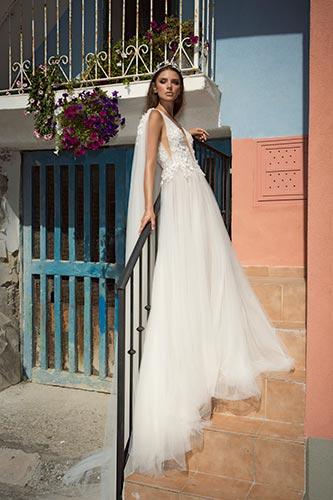 שמלת כלה עם גלימת טול