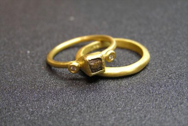 סט טבעת אירוסין וטבעת נישואין