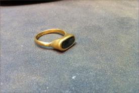 טבעת אירוסין רחבה יהלום שחור