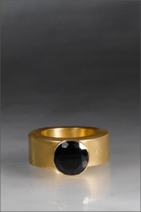 טבעת אירוסין סוליטייר יהלום שחור